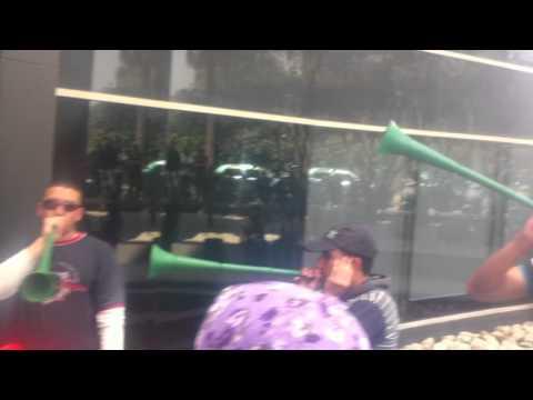 total Call Groupe ILIAD en  greve  L arara