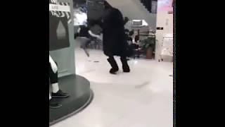 Человек в костюме медведя