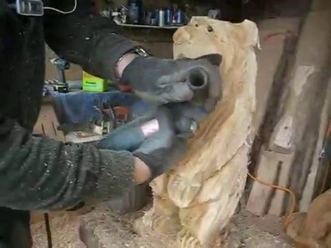 Chainsaw Carving a Bear in only 7 minutes!