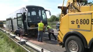 Busunfall auf der A20 bei Tessin