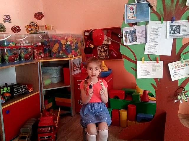 Изображение предпросмотра прочтения – СоняЛапшина читает произведение «Встреча» Г.А.Ладонщикова