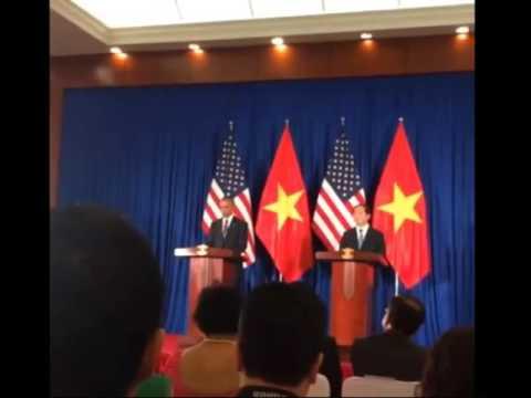 Facebook chia sẽ họp báo Obama và Trần Đại Quang