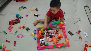 Bé chơi xếp hình ngôi nhà cho các xe đồ cơi và các con vật vào ngủ │ bé chơi thật vui │ TRÍ RUBY TV