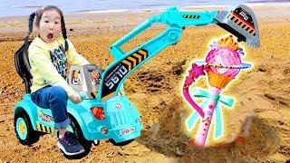중장비 포크레인 장난감으로 시크릿쥬쥬 찾기 놀이 Excavator Play for kids like BoramTube