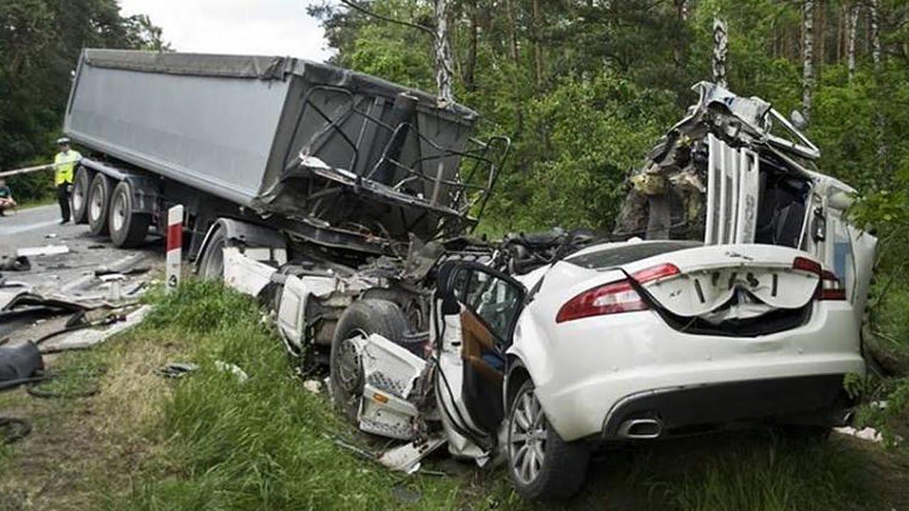 Latest Car Accident Of Jaguar Xf Road Crash Compilation