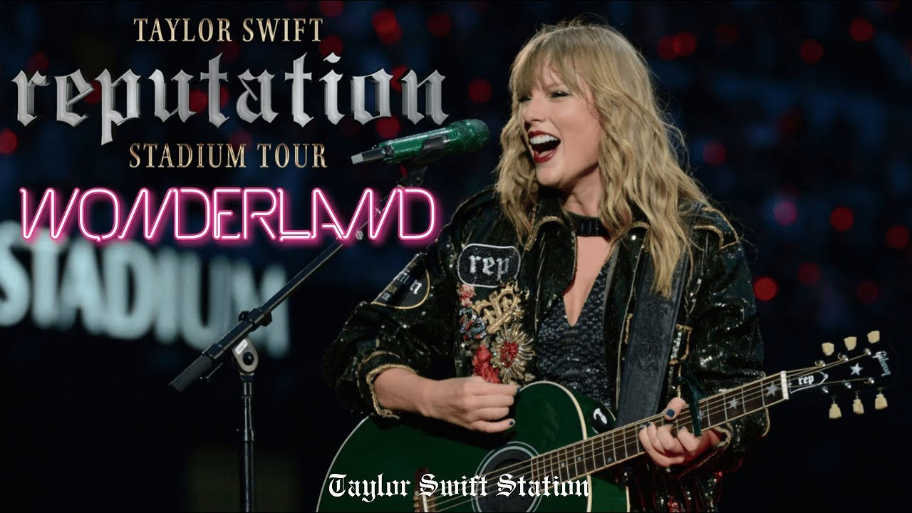 Taylor Swift - Wonderland (Live at reputation Stadium Tour Houston)