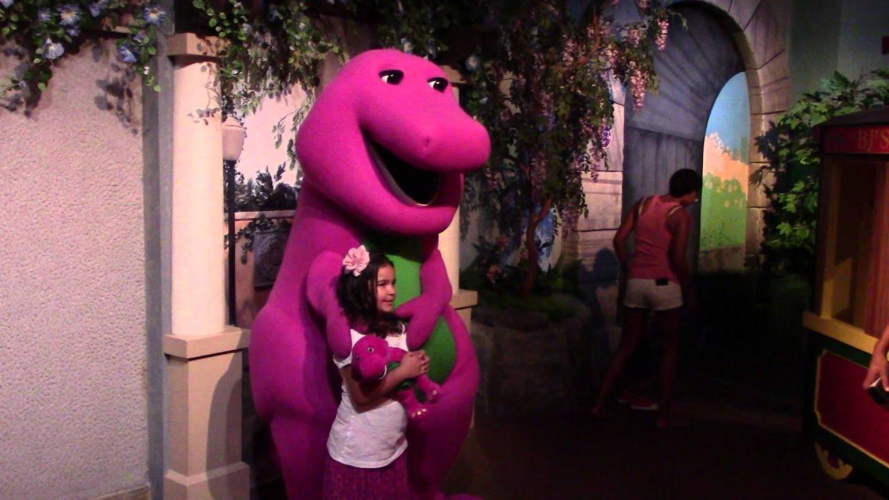 Meeting Barney At Universal Studios Youtube