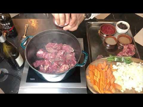 julien-duboué---recette-bœuf-bourguignon-au-cassis