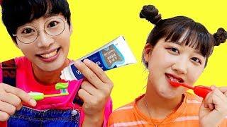 Brush Your Teeth song | 교육으로 동요와 아기의 노래를 Mainan dan lagu anak-anak