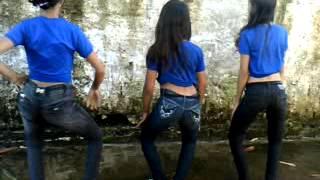 meninas dançando funk na escola