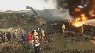 Иракцы тушат нефтяные скважины, которые подожгли боевики ИГИЛ (новости)