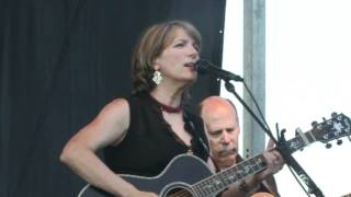 Watch Kathy Mattea The Cape video