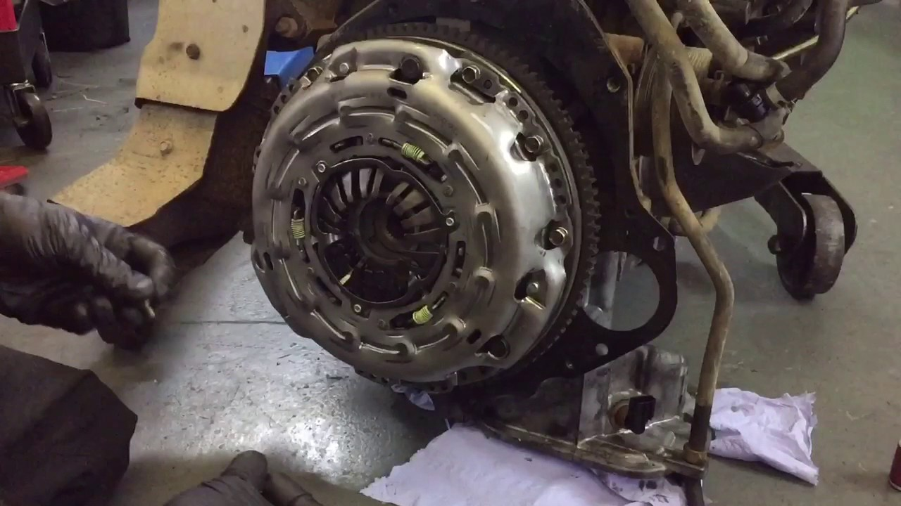 How To Fit New Nissan Flywheel And Clutch Release