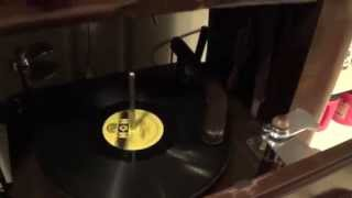 1942 Zenith 7S682 Phonograph Action Demonstration after restoration