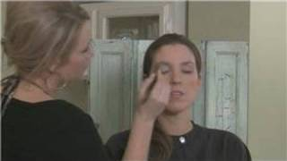 How to Apply Eye Shadow : Basic-Stage Makeup Techniques Thumbnail