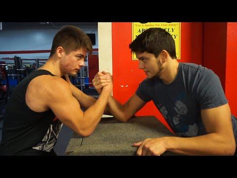Teen Bodybuilder Vs Teen Powerlifter Armwrestle Surprise Ending
