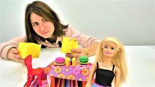Барбі готується до побачення з Кеном. Ігри в ляльки для дівчаток