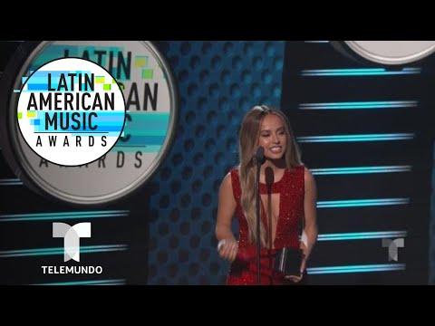 Canción Favorita Urbana es para Becky G y Bad Bunny   Latin AMAs   Entretenimiento