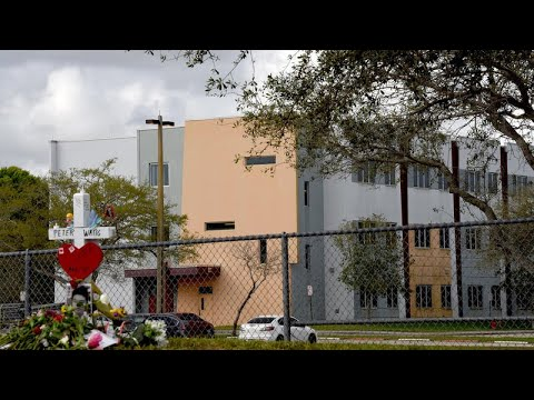 What went wrong on the third floor during the Parkland school shooting