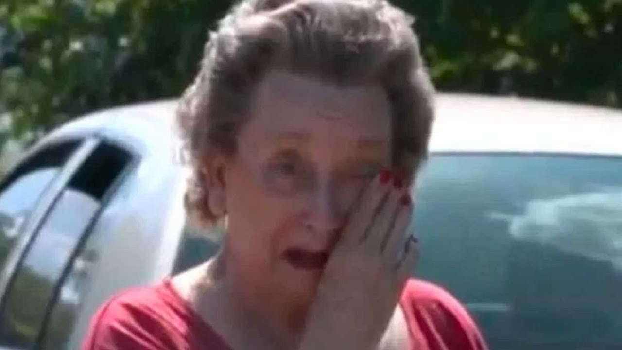 elderly-woman-catches-4-boys-sneaking-into-yard-weeps-when-she-realizes-what-they-re-doing