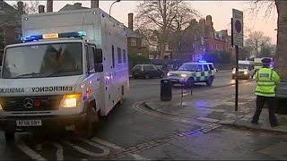 Ebola virüsü taşıyan İngiliz hemşirenin durumu kritik