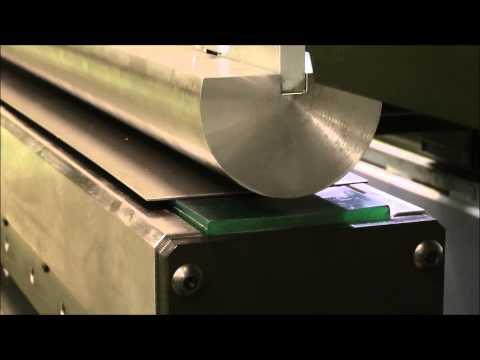 Радиусная гибка листового металла на листогибочном прессе AM AMB-15031
