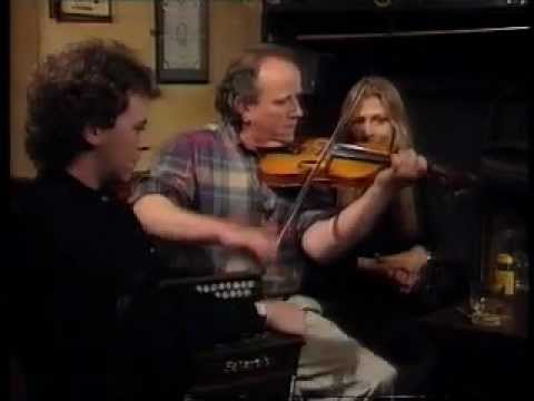 Donegal fiddle master James Byrne plays Éirí na Gréine
