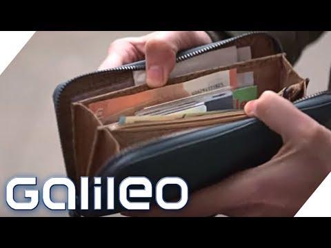 Bargeld: Brauchen wir die Scheine noch? | Galileo | ProSieben