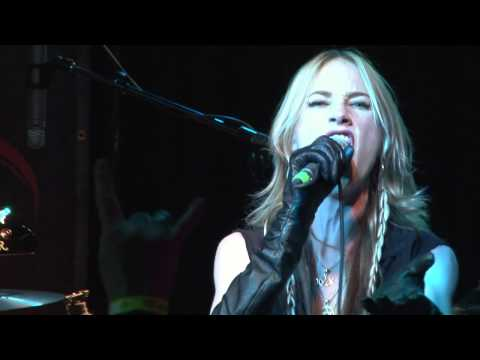 """HUNTRESS """"Spell Eater"""" Live 4/13/12"""