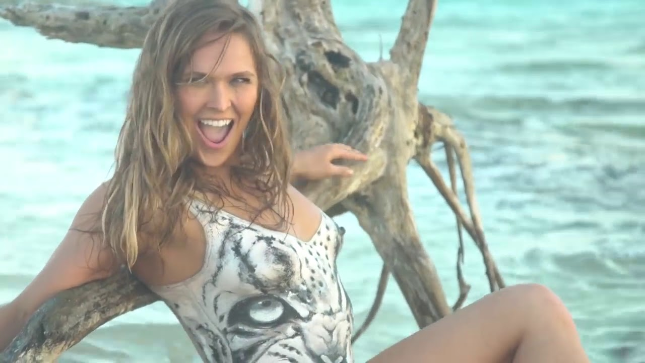WWE Diva Ronda Rousey Most Beautiful and Hot Moments