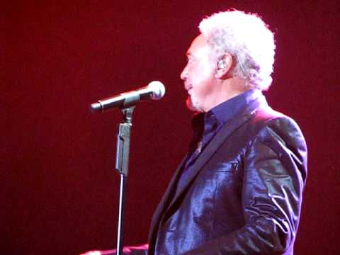 Save The Last Dance For Me - Tom Jones - LG Arena - October 2009 - Live