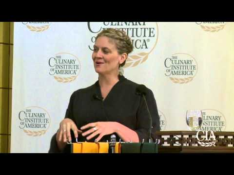 Graduation Speaker: Amanda Freitag '89 - YouTube