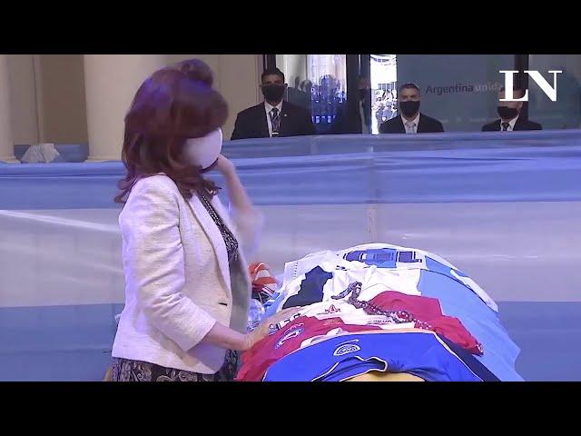 Dalma y Gianinna se negaron a abrazar a Cristina Kirchner en la despedida a Diego Maradona