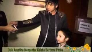 "Okie Agustina Melepas Rindu Dengan Pasha ""Ungu"" - cumicumi.com"