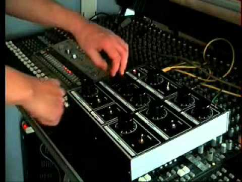 REcommend effects units for live dub style mixing on desk