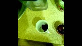 Видео урок изготовления томатного сока от M.M.(Пользуйтесь,вкушайте свежайший напиток,утоляющий жажду! Он волшебен черт возьми! Я бы вдул., 2013-08-17T17:56:33.000Z)