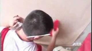 6. Стены, поклейка виниловых обоев(Статьи и фотографии на http://EuroRemont.info ] . . . . . . . . . Из видео вы узнаете как правильно оклеивать стены..., 2010-11-26T09:54:46.000Z)