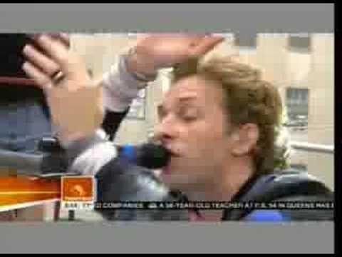 Coldplay plays Viva La Vida