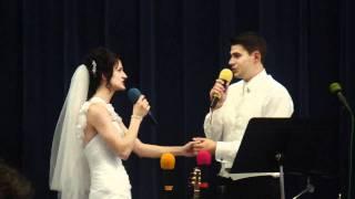 Сергей и Люба поют в день их свадьбы