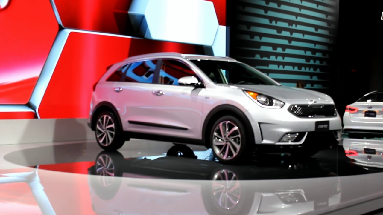 2017 kia sportage 2017 kia niro hybrid crossover youtube. Black Bedroom Furniture Sets. Home Design Ideas