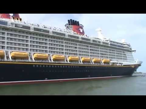 Cruise Ships Leaving Port Canaveral Florida