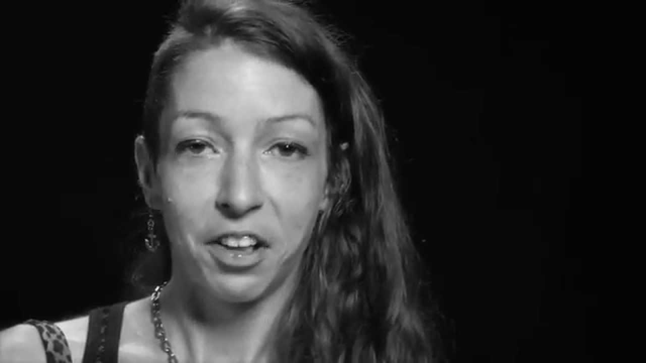 Alexandra / Campagne COCQ-SIDA 2014 « C'est le sida qu'il faut exclure, pas les séropositi