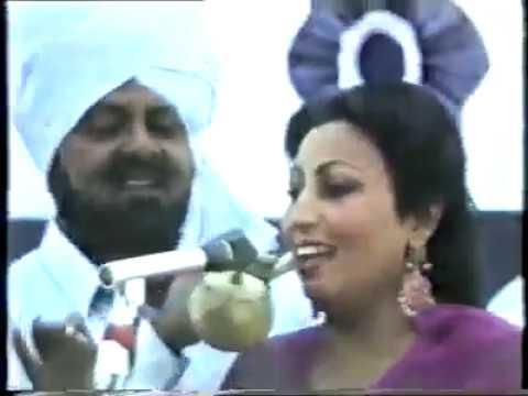 Mohd. Sadiq and Ranjit Kaur - Saun da Mahina (Live)