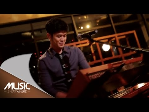 Music Everywhere MLD SPOT - Maliq & D'Essentials - Barcelona ( Fariz RM Cover )