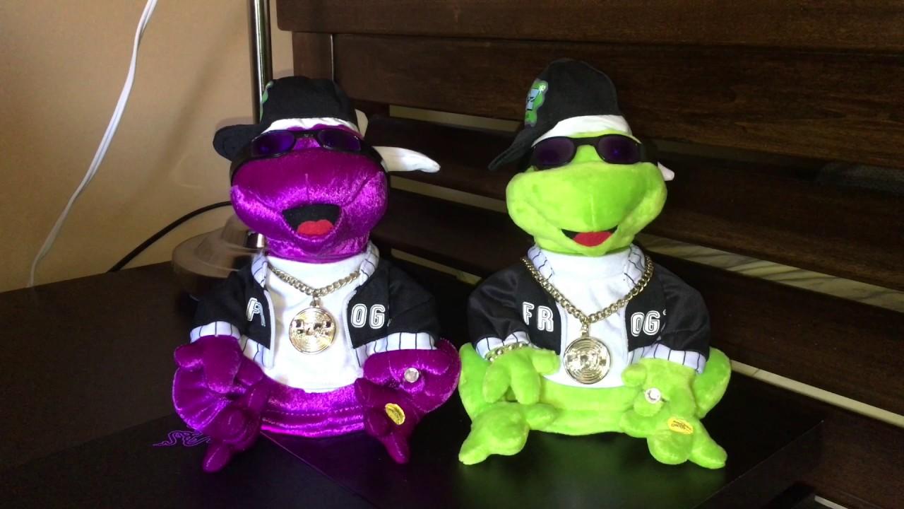 Gemmy Frogz Duetz In Da Club Youtube