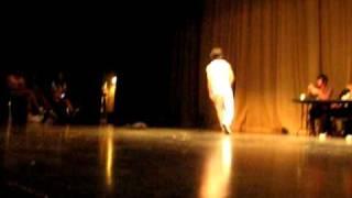 Hoover Jam 2010: Exhibition Battle! One vs. Floetic
