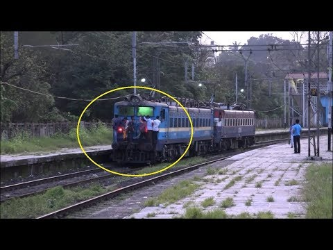 Free Ride In Free India ! Strange Train Travellers at Khandala Hill Station, Bhor Ghats !!!
