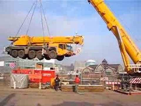 500t hebt 160t auf Ponton / Crane carries crane Kranmobile Teil 1 - Soeren66