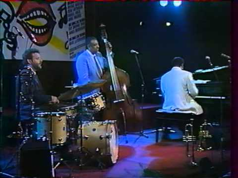 Ray Brown Trio - Summertime (2/6)