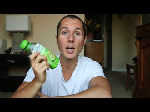 BOLTHOUSE GREEN JUICE SMOOTHIE  // HEALTHY OR NOT?